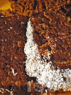 Сладкиш Негърче - класическа рецепта за шоколадов десерт / кекс с кокосови стърготини - снимка на рецептата